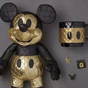 Mickey Mouse Memories AUGUST Set Authentic
